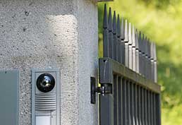 Different Types Of Intercom Systems and Other Features For Driveway Gates | Gate Repair Agoura Hills, CA